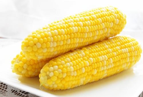 トウモロコシ 世界 生産量 価格