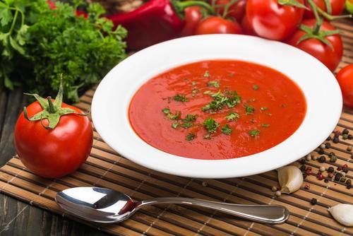 トマト ソース かける