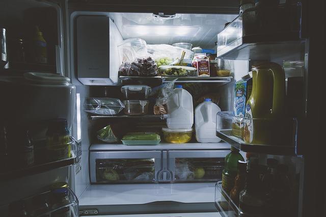 トマト 野菜室 冷蔵庫 冷凍 賞味期限
