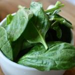 ほうれん草は生で食べられる? 体に毒になる危険な成分はあるの?