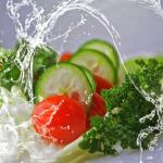 きゅうりなどの野菜を水にさらす理由とは?コツはあるの?
