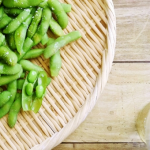 枝豆を食べ過ぎると腹痛や吐き気がおこる!?便秘改善に効果が!?