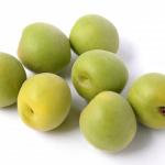生の梅は食べられる?毒と症状は?
